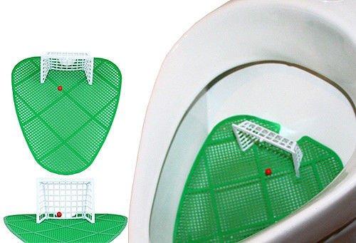 Orinatoio a forma di campo di calcio